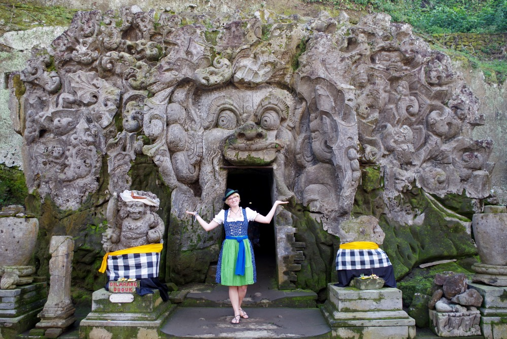 Dirndl travelling the world Bali