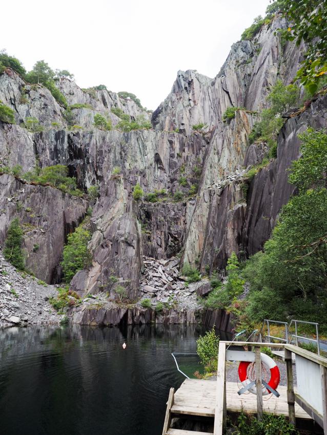 Steinbruch Vivan Quarry Tauchen