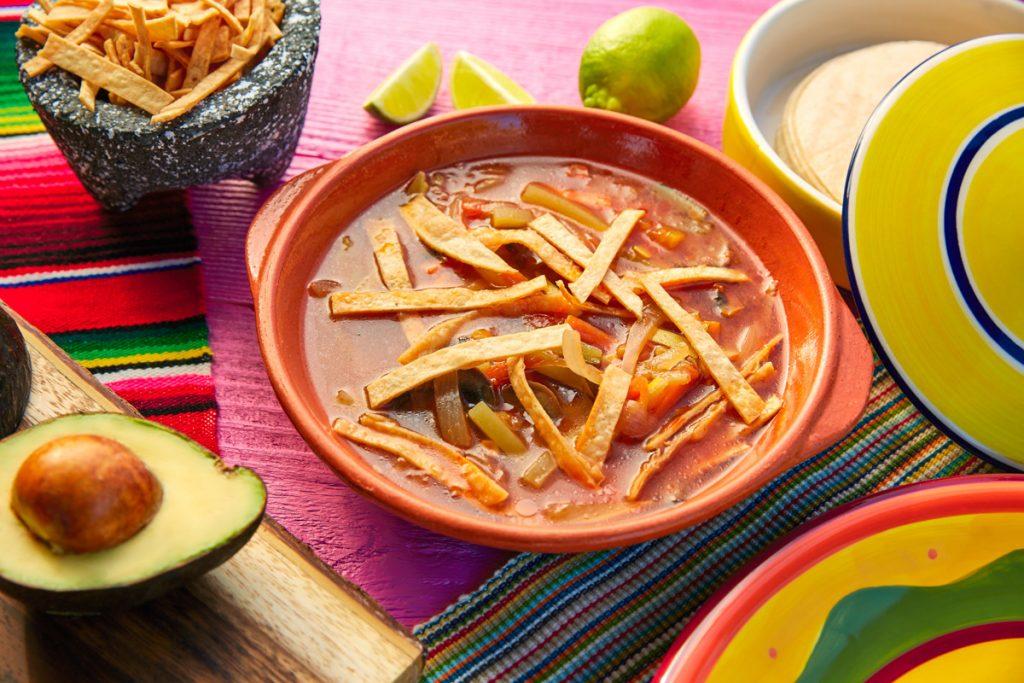 Sopa Azteca oder Tortilla Soup